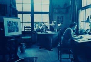 Fre Cohen in haar atelier